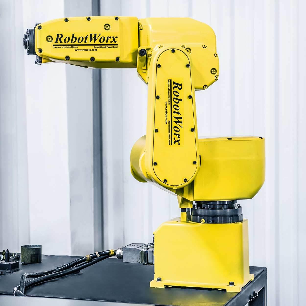 RobotWorx - FANUC LR Mate 200iB