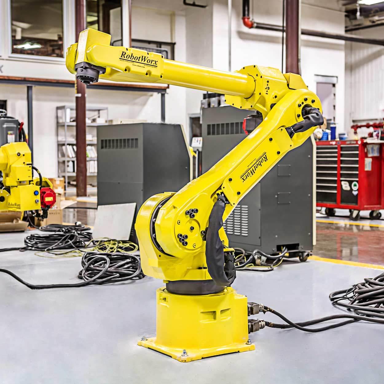RobotWorx - FANUC M-16iB