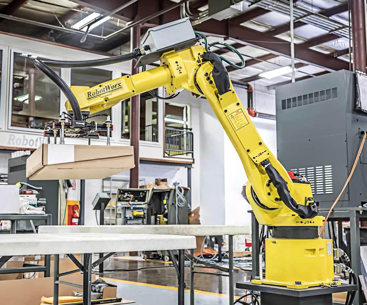 RobotWorx - FANUC M-6iB