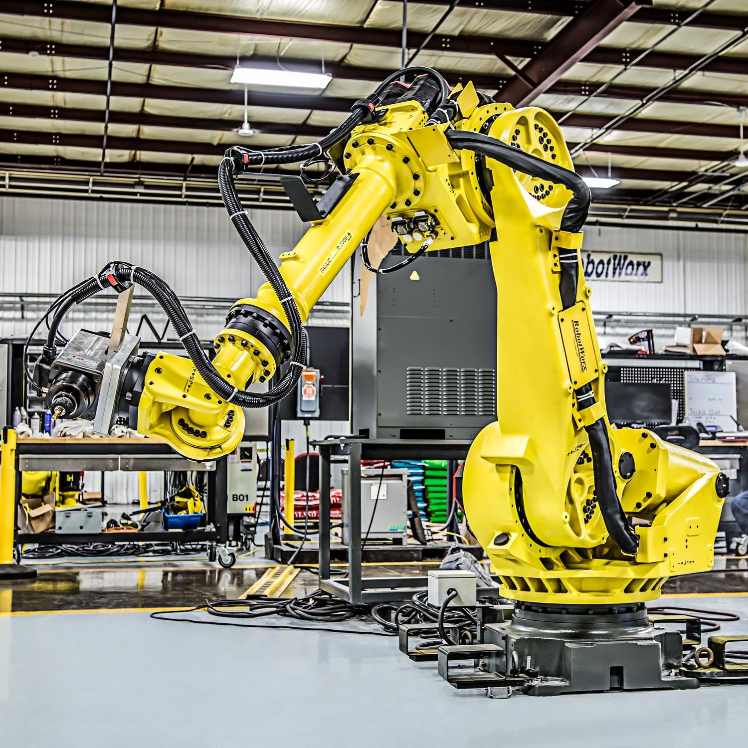 RobotWorx - The Accuracy of the FANUC R-2000iA/165F